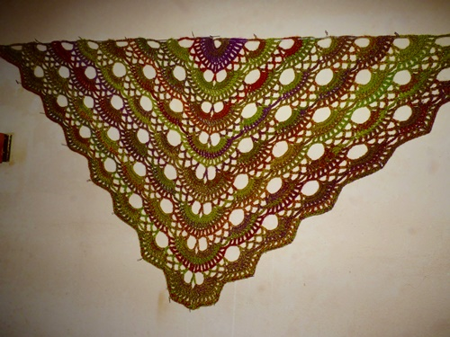 Scalloped Triangle Shawl Crochet Photo Tutorial