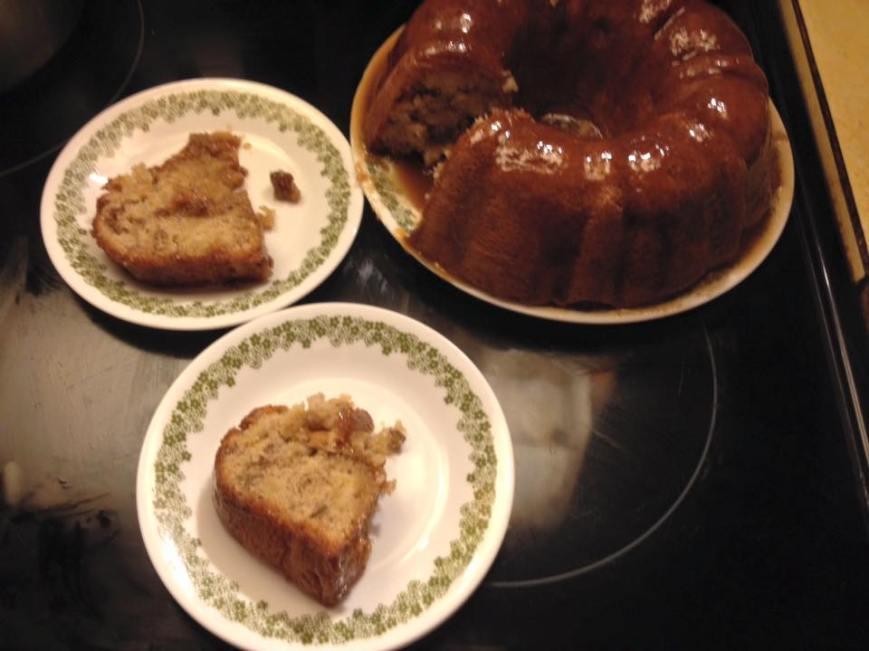 apple pecan cake caramel topping